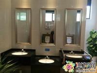 渝北区一公厕的洗手台,总有一种高度适合你。