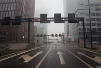 12月01日,天津,天津持续雾霾天气,于家堡自贸区起步区的街道上行人稀少。于家堡街景。空格/视觉中国(来源媒体:网易综合)